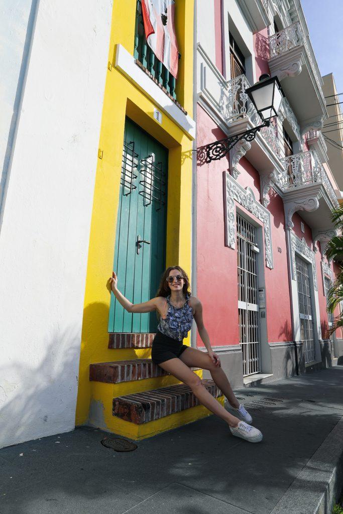 Old San Juan La Casa Estrecha .