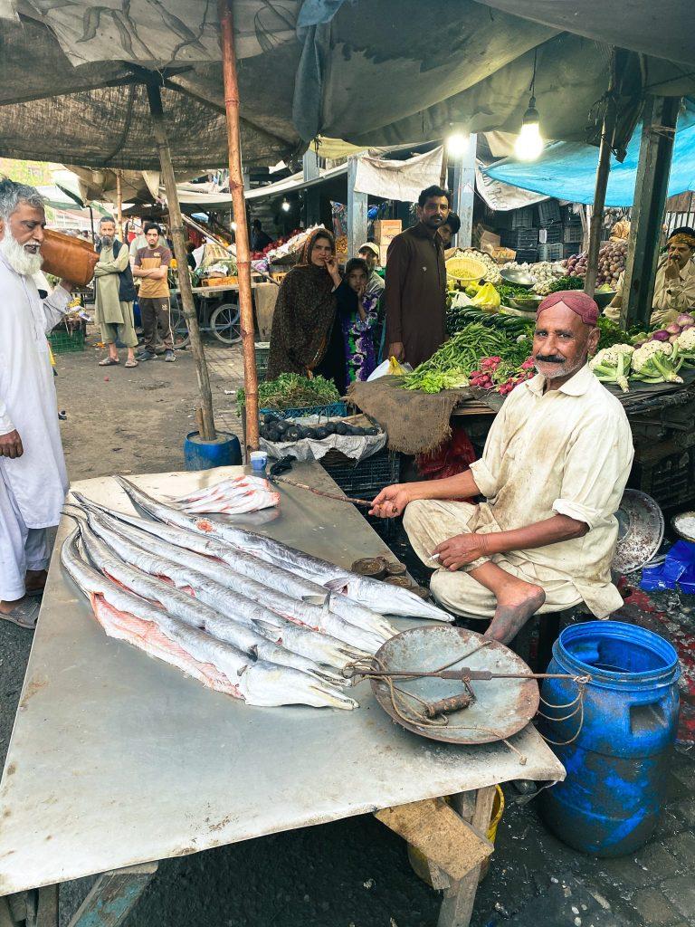 Pakistan travel Lahore market